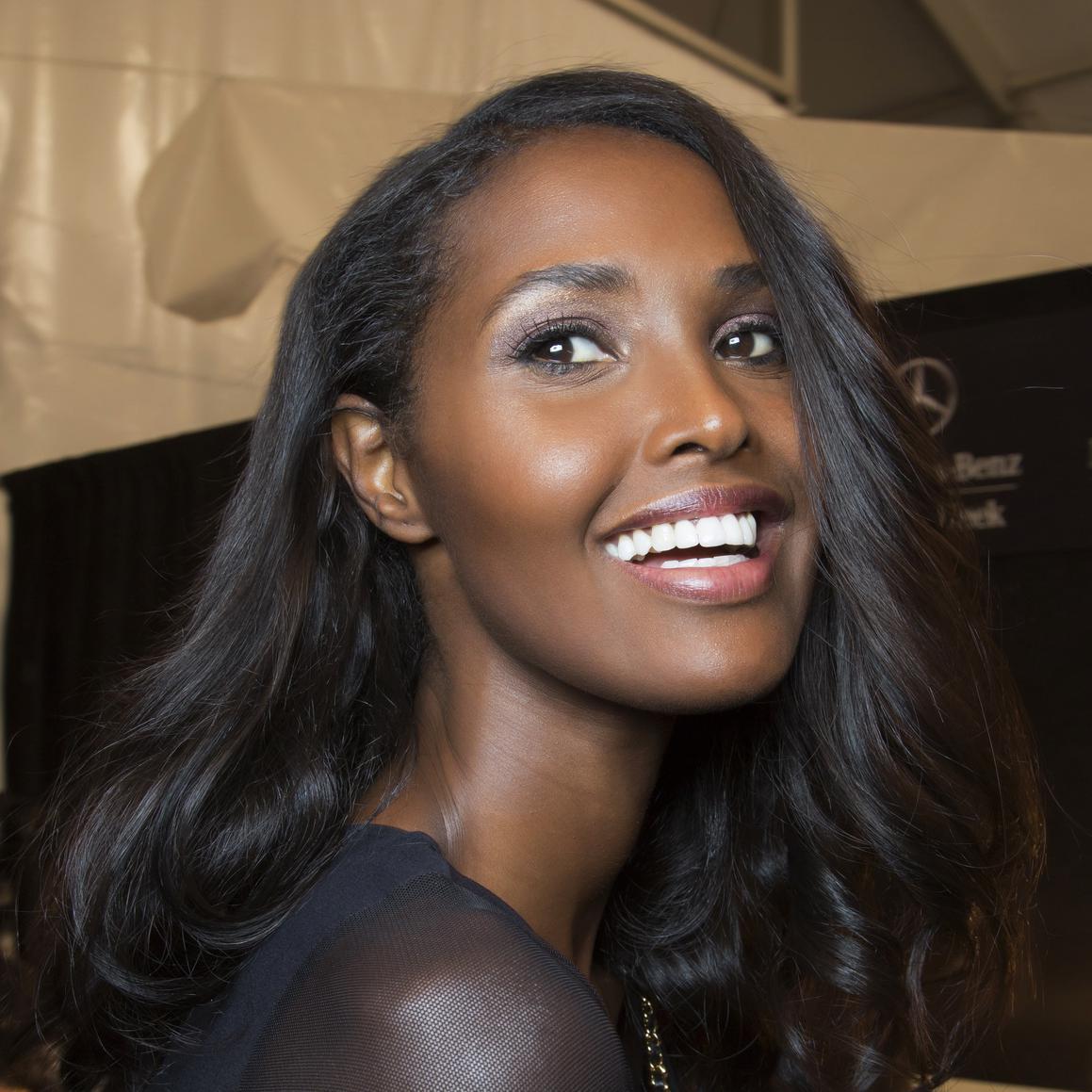 cheveux-lisses-femme-noire