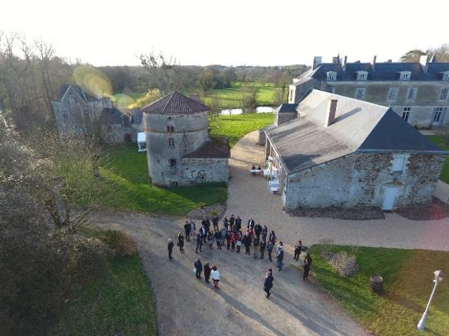 Photo de goupe devant château du Coing